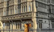 Ngân hàng siêu an toàn chỉ phục vụ giới tỷ phú ở Anh có gì đặc biệt?