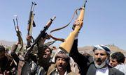 Phiến quân Houthi tấn công bất ngờ khiến ít nhất 60 người thiệt mạng