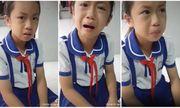 """Học sinh tiểu học """"gây bão"""" mạng xã hội vì khóc giùm bạn bị đánh"""