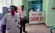Con 7 tuổi bị kiểm tra virus corona, khách Trung Quốc dọa chém bác sĩ