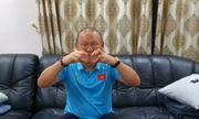 """""""Bố"""" Park chu đáo gửi món quà đặc biệt chúc phúc trò cưng Phan Văn Đức"""