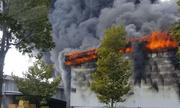 Cháy kinh hoàng tại khu công nghiệp ở Bình Dương, khói đen bốc cao ngút trời
