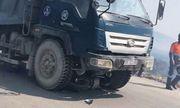 Xe tải lấn làn gây tai nạn khiến 2 cháu nhỏ tử vong thương tâm