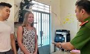 Khánh Hòa: Trao trả tài sản bị đánh cắp cho nữ du khách nước ngoài