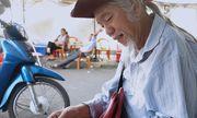 Người đàn ông rong ruổi khắp các ngả đường bán vé số giúp người nghèo