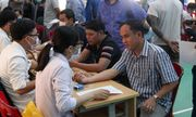 Công nhân ở Đà Nẵng tham gia hiến máu tình nguyện