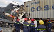 Xe tải húc đuôi container ở TP.HCM, 3 người chết thảm