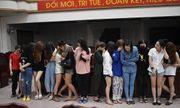 Hàng chục nam nữ thanh niên dương tính với ma túy trong quán karaoke lúc rạng sáng