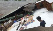 Cần Thơ: Sạt lở gần khu vực chợ nổi, 5 căn nhà chìm trong dòng nước