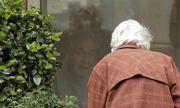 Tin tức đời sống mới nhất ngày 8/3/2020: Cảm động cảnh cụ bà 88 tuổi đến thăm chồng tại khu cách ly