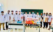 Học sinh, giáo viên Hà Tĩnh pha chế thành công nước rửa tay phòng dịch Covid-19