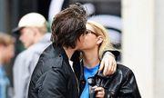 Cậu cả của Beckham vô tư hôn bạn gái trên phố bất chấp Covid-19 đang hoành hành tại Mỹ