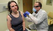Những người Mỹ đầu tiên tình nguyện tiêm vaccine Covid-19: