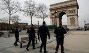 Nước Pháp phong tỏa vì Covid-19: Tháp Eiffel, Khải Hoàn Môn hiu hắt không bóng người