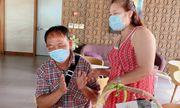Bị cách ly vì tiếp xúc với bệnh nhân Covid-19, 2 du khách bất ngờ được tổ chức sinh nhật