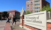 Hàng loạt các trường đại học danh tiếng tại Mỹ đóng cửa, yêu cầu sinh viên rời ký túc xá