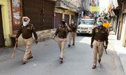 """Thầy tu """"siêu lây nhiễm"""" khiến cho 40.000 người ở Ấn Độ bị cách ly"""