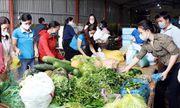 Nhiều giáo viên ở Hà Tĩnh tình nguyện nấu cơm miễn phí cho người cách ly