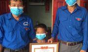 Nghệ An: Tặng giấy khen cho cậu bé 8 tuổi dũng cảm cứu 2 bạn đuối nước