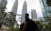 Malaysia chỉ cho phép người dân ra ngoài mua sắm trong bán kính 10km