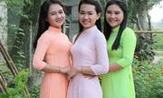 """Bức ảnh 3 người phụ nữ mặc áo dài khiến dân mạng """"hoa mắt"""" khi xác định đâu là mẹ đâu là con"""