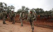 Quân đội Thổ Nhĩ Kỳ phóng đạn pháo tấn công binh sĩ Syria