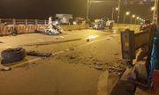Tin tai nạn giao thông mới nhất ngày 14/42020: Xe bán tải văng bánh, bay nóc trên cầu Vĩnh Tuy, 1 người chết