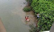 Người đàn ông kể lại giây phút lao xuống dòng nước xiết cứu nữ sinh nhảy cầu tự tử