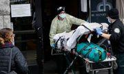 Số ca tử vong do Covid-19 ở Mỹ vượt mốc 50.000, ông Trump ký duyệt gói cứu trợ bổ sung