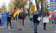 Người dân biểu tình đòi dỡ rào phong tỏa biên giới ở Đức và Ba Lan