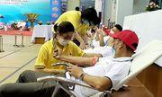 Gần 400 tình nguyện viên và đoàn viên thanh niên ngành than tham gia hiến máu tình nguyện