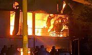 Cháy lớn trong khu chế xuất Tân Thuận, khói bốc lên nghi ngút