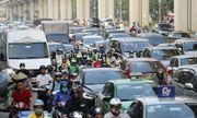 Hà Nội: Bến xe vắng vẻ hiếm thấy, cửa ngõ Thủ đô ùn tắc nghiêm trọng ngày 30/4