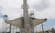Một huyện nghèo ở Quảng Nam đầu tư dựng tượng đài hơn chục tỷ đồng