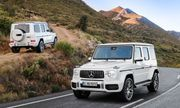 """Bảng giá xe Mercedes-Benz mới nhất tháng 5/2020: """"Em út"""" C200 2019 chưa tới 1,5 tỷ đồng"""