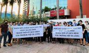 Vụ phụ huynh kéo đến trường Việt Úc phản đối học phí: Nếu trường vẫn im lặng, chúng tôi sẽ khởi kiện