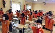 Bỏ quy định bắt buộc học sinh đeo khẩu trang trong lớp