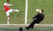 Video: 1001 cách trút giận của các danh thủ bóng đá khi bị thay ra sân