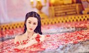 Sự thật sau những cảnh tắm thần tiên, mờ ảo, đẹp lung linh của mỹ nhân Hoa ngữ