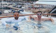 Cận cảnh cuộc sống cách ly của những thủy thủ trên du thuyền xa xỉ
