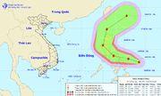 Bão Vongfong giật cấp 11 đang áp sát Biển Đông