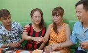 Cô dâu 62 tuổi cùng chồng trẻ lặn lội vào Đồng Nai gặp cô dâu 65 tuổi, dân mạng phản ứng trái chiều