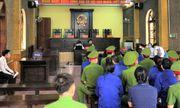 Những hình ảnh đầu tiên tại phiên tòa xét xử 12 bị cáo trong vụ gian lận thi cử ở Sơn La