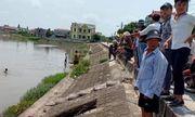 Nam Định: Tìm thấy thi thể bé trai chết đuối khi đi tắm kênh Quần Liêu