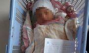 Xót xa bé trai 10 ngày tuổi bị bỏ bên đường dùng dòng tâm thư viết vội