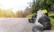 Một gia đình nhặt được gần 1 triệu USD nhờ hành động đơn giản với túi rác