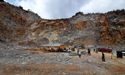 Vụ sập mỏ đá, 3 người chết và mất tích: Công binh đến hiện trường rà mìn