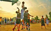 Tin tức đời sống mới nhất ngày 5/6/2020: Cậu bé cụt một tay nổi tiếng nhờ tài chơi bóng rổ
