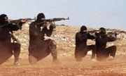 Liên quân bất ngờ không kích rầm rộ 46 nơi trú ẩn của IS, tiêu diệt hàng loạt tay súng