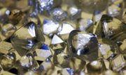 Kim cương tồn kho hàng tỷ USD, nhà buôn đau đầu